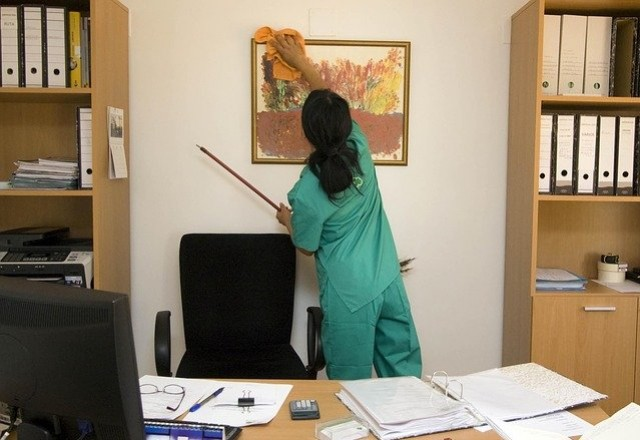 Top 7 Reasons to Hire Professional Cleaners for General Office Cleaning